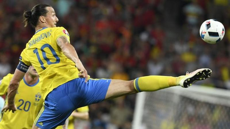 Man Utd: Zlatan Ibrahimovic deal close to completion