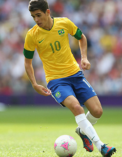 Brazil brings Oscar and Silva back for World Cup qualifiers