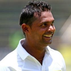 Sri Lanka hit 500 past Zim in 2nd Test