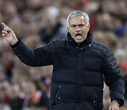 Mou angry at Aguero over Fellaini red