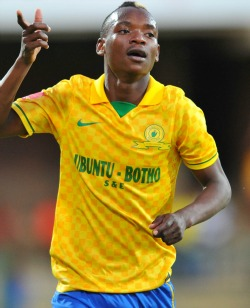 Sundowns release Khama for Sunday tie against Liberia