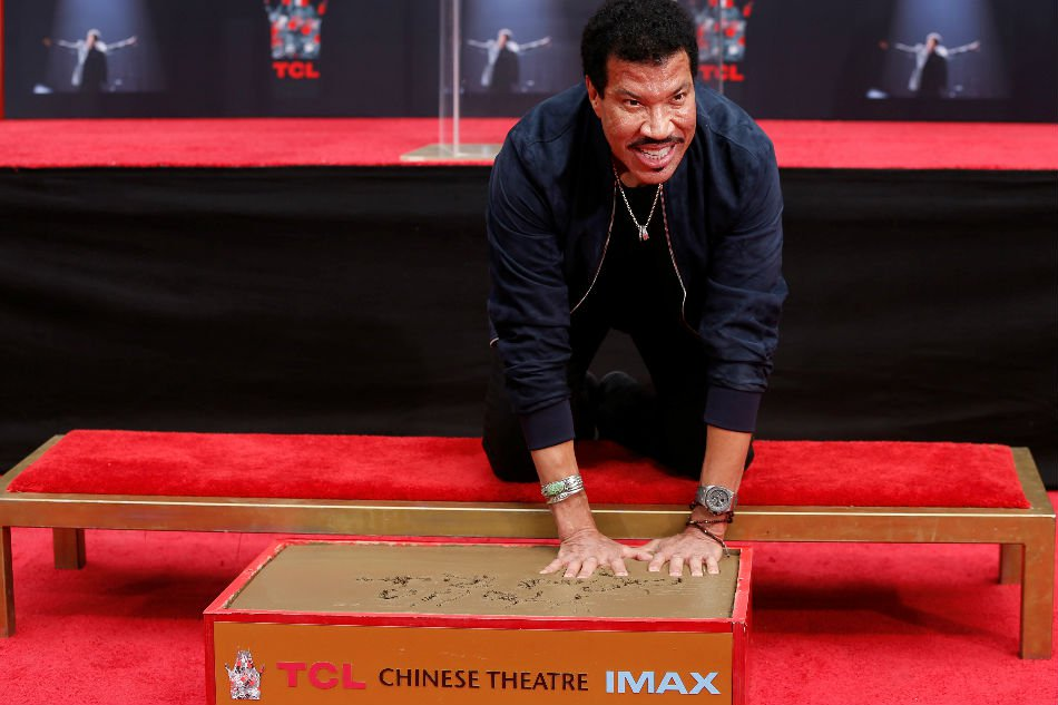 Lionel Richie honored at Hollywood handprints ceremony