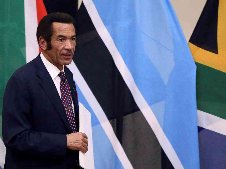 Khama shows Mugabe, Zuma, Kabila the way, steps down