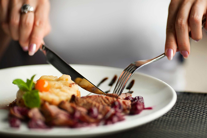 Eating out linked to increased cancer risk