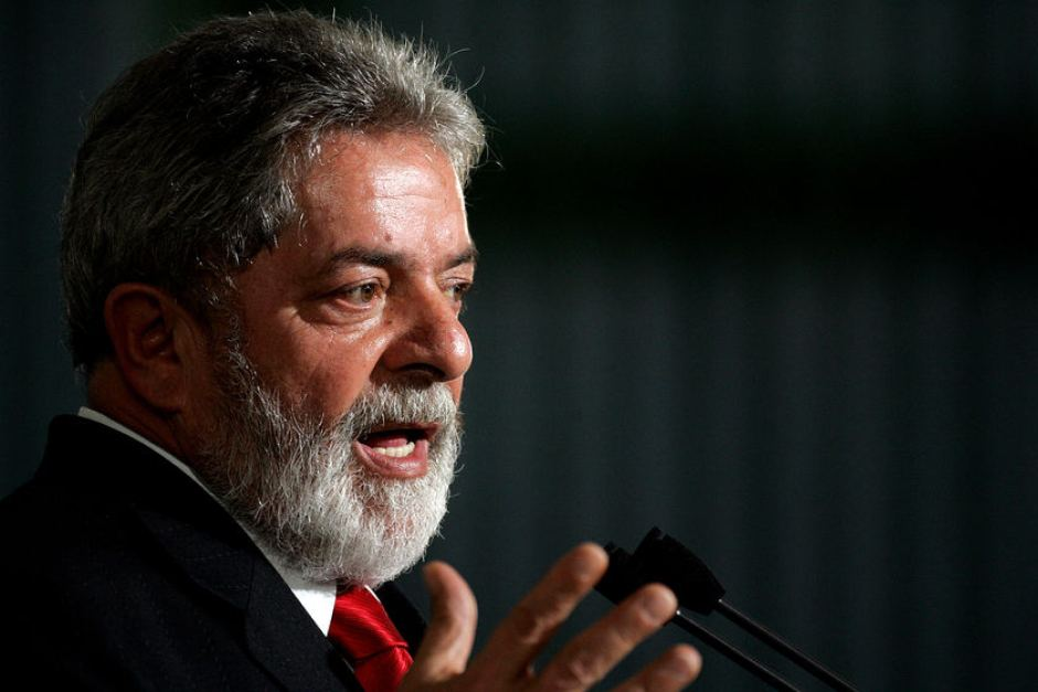 Brazil's Lula spends first day in prison, hoping to get out
