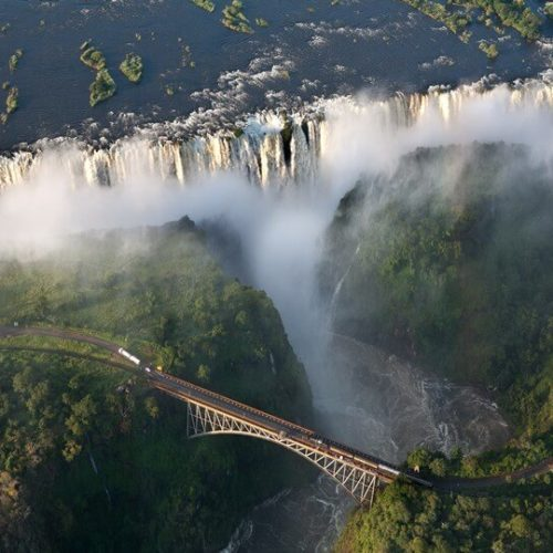 Overthrow of Mugabe tempts tourists back to Victoria Falls