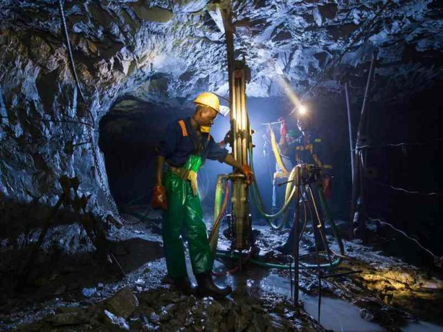 SA's Tharisa has right to all of $4.2bn Zimbabwe platinum mine