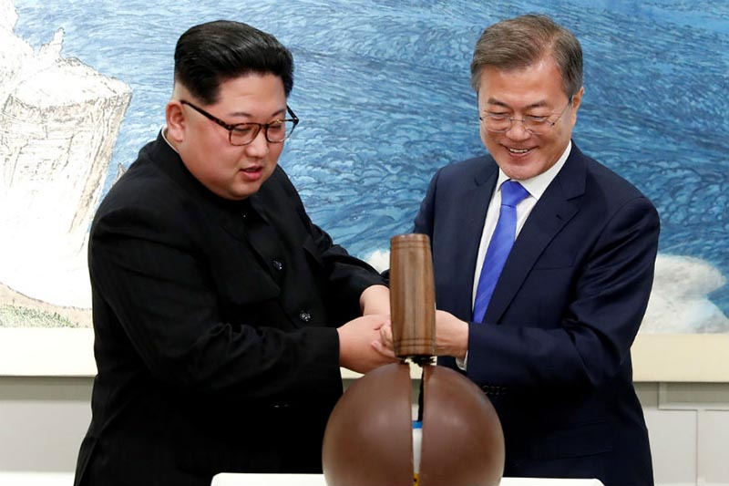 North Korea offers to shut nuclear test site in May, invite US experts