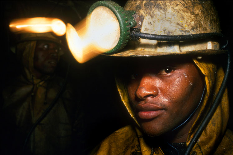 Miners in South Africa settle with firms over lung diseases