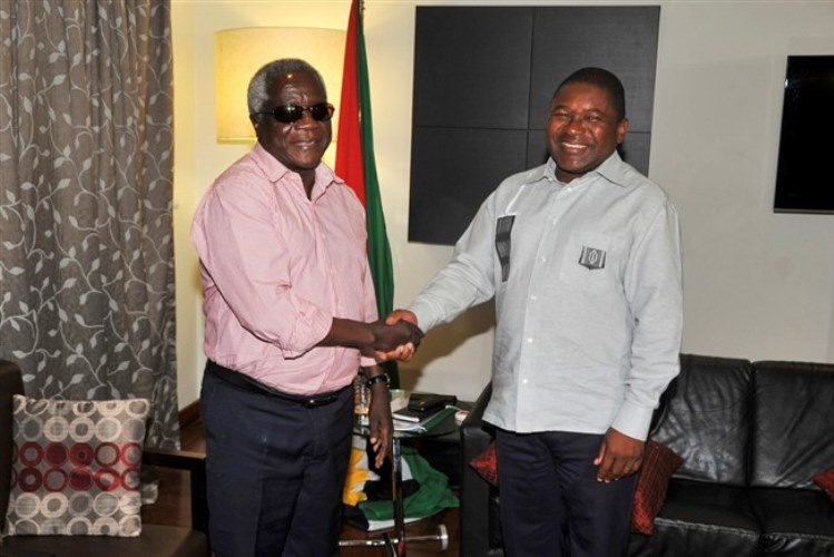 Mozambique meets late Dhlakama's key demand, changes constitution to bolster peace