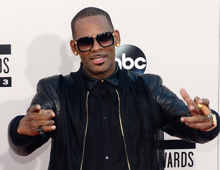 R. Kelly's daughter explodes, calls dad a monster