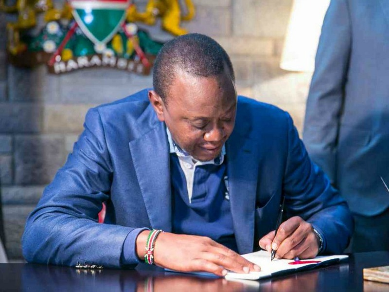 Bloggers, cyber spies face jail as Kenyatta signs controversial law