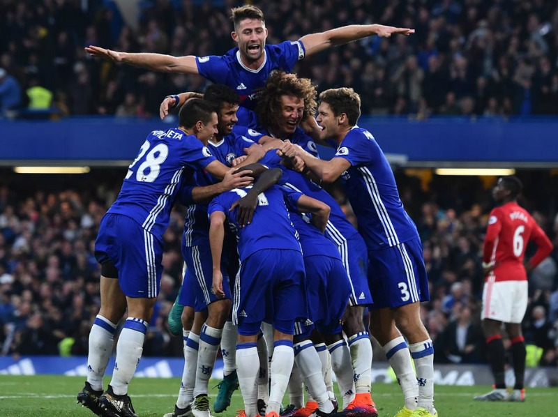 Chelsea edge United to lift FA Cup