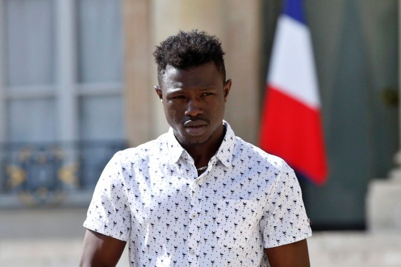 'Spiderman' of Paris: folk hero fresh off migrant trail