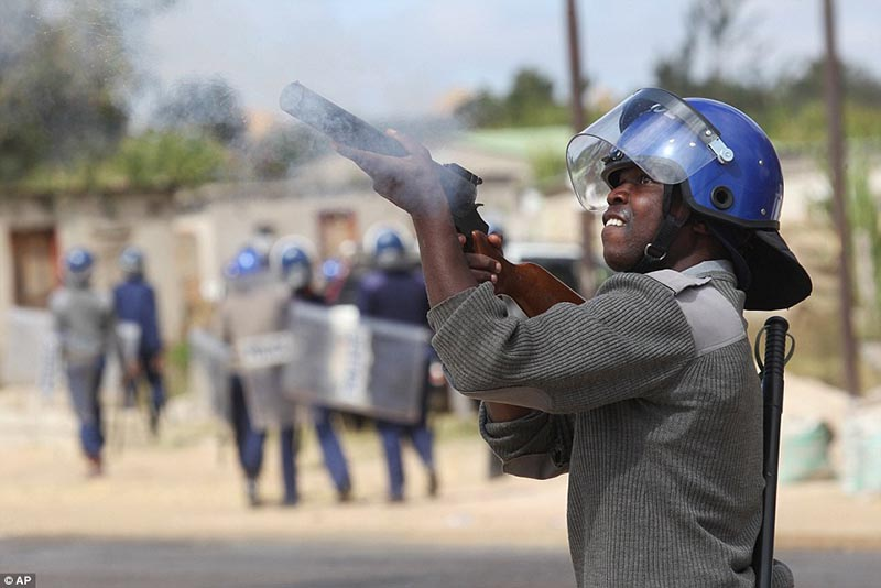 Police block ConCourt poll challenge prayer meeting