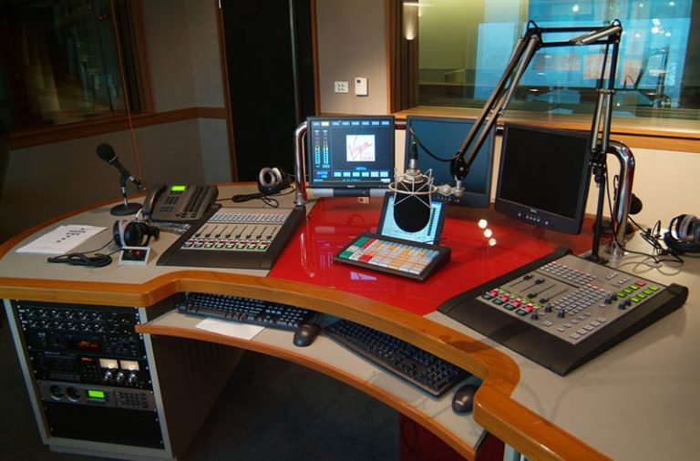 Govt licensing radio stations it can manipulate – say activists
