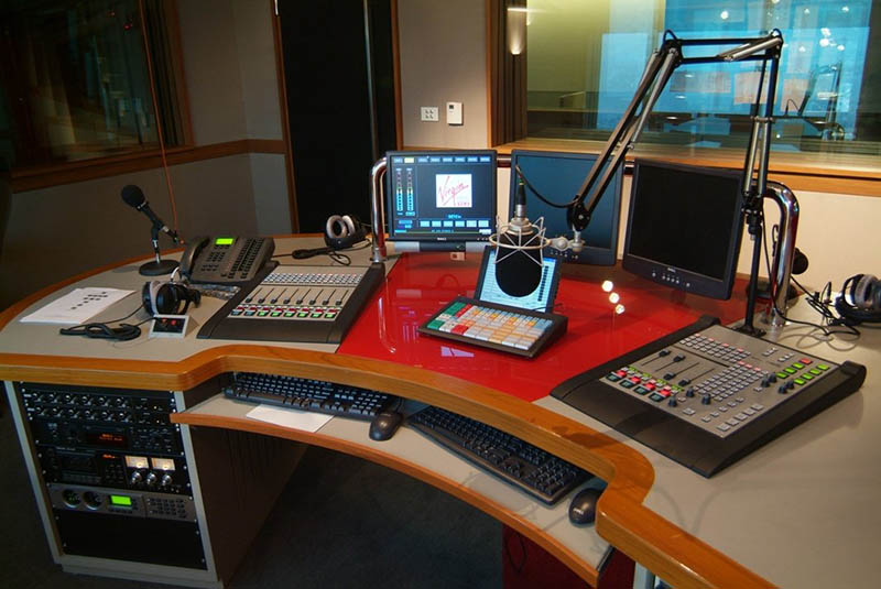 Media watchdog urges speedy licensing of community radio stations in Zimbabwe