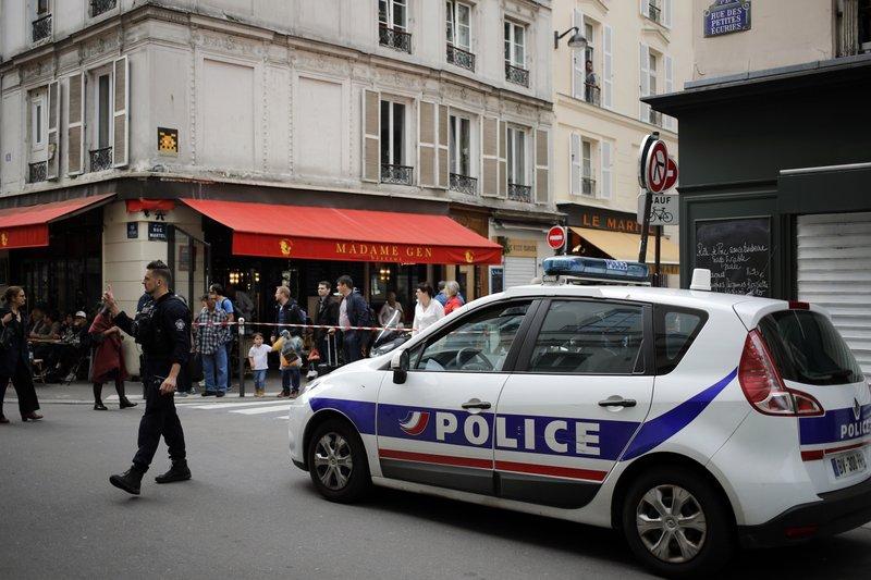 Paris hostages freed, suspect arrested after 4 hours