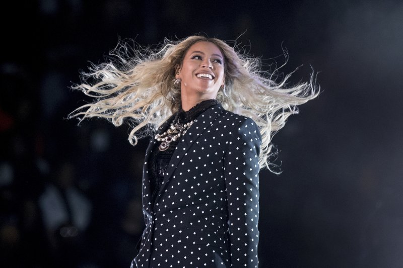 Despite bad weather, Beyonce and Jay-Z headline fiery show