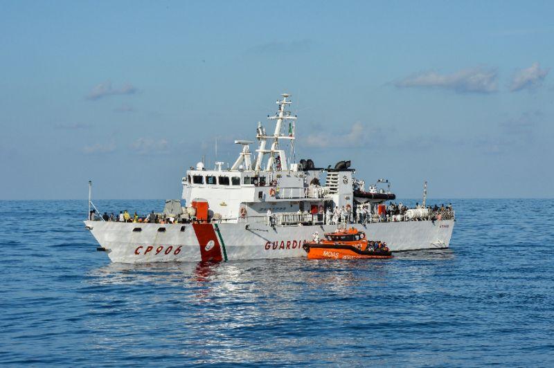 Italian coastguard tells rescue ships to call Libya for help