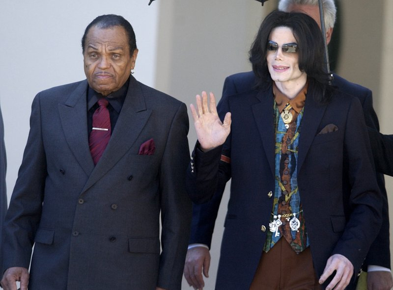 Joe Jackson buried in same LA-area cemetery as son Michael