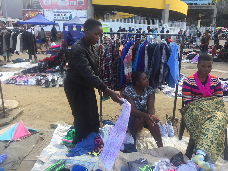 Army fingered in renewed onslaught against street vendors