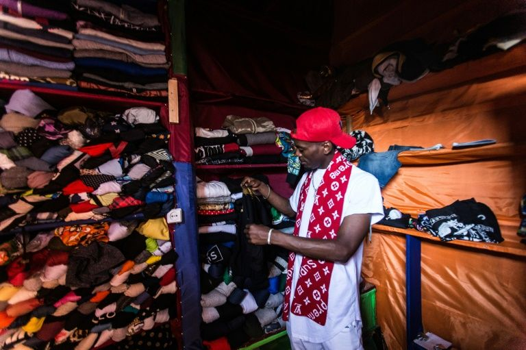 Locals lose out in Rwanda's second-hand clothes war
