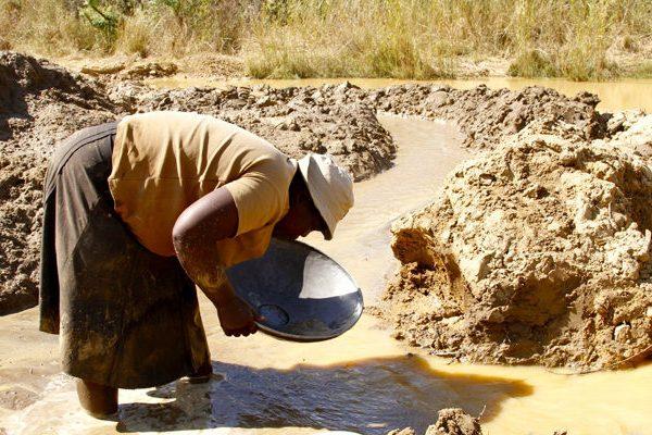 Women turn to mining to escape economic hardship - union