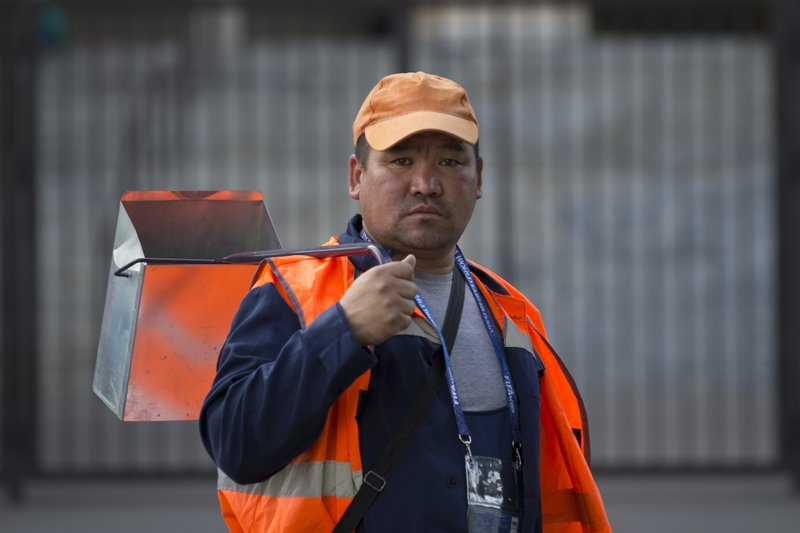 Migrant workers the key to Russia's smooth-running World Cup