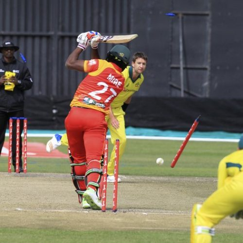 Aussies record scrappy 5-wkt win over Zimbabwe in tri-series