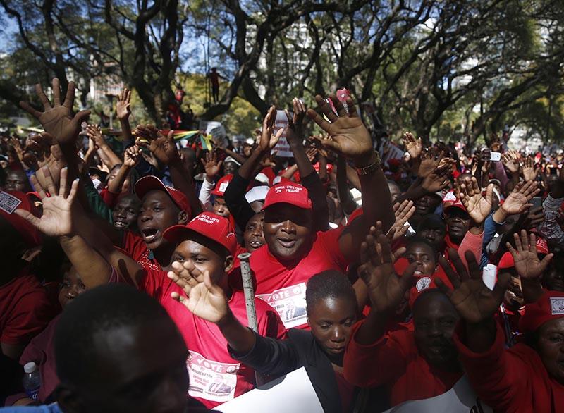 Thousands back MDC Alliance protest against ZEC