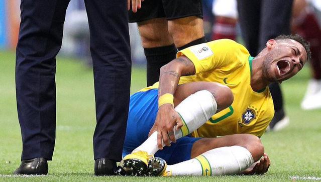 Ronaldo reveals why Neymar dives