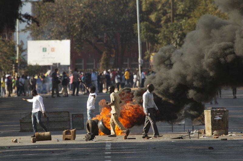 Mayhem in central Harare, gunshots as military deployed against violent opposition protestors