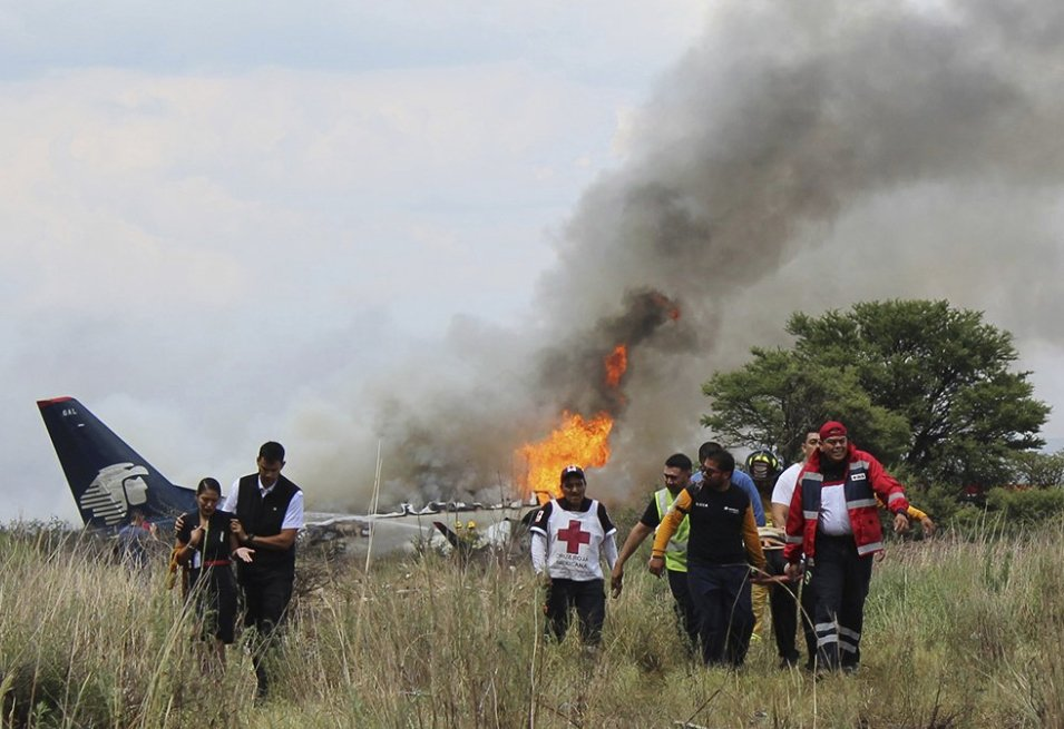 Mexico plane hit sudden, violent storm before crash; all 103 passengers survive