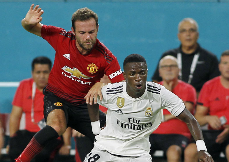Manchester United hold on to beat Real Madrid 2-1