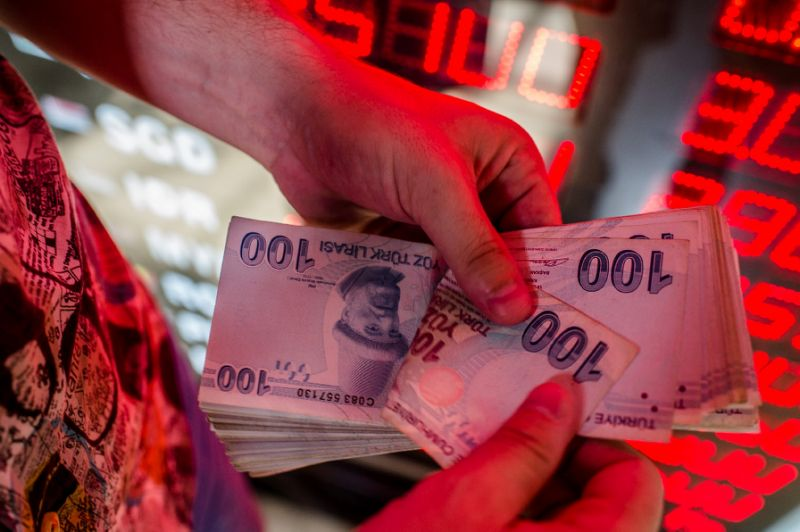 Turkey's currency crashes as Trump piles on pressure