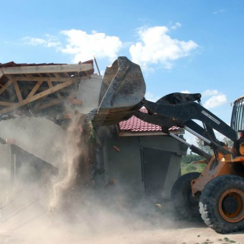 Harare backs down on planned home demolitions