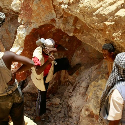 Illegal miner crushed to death by falling boulder