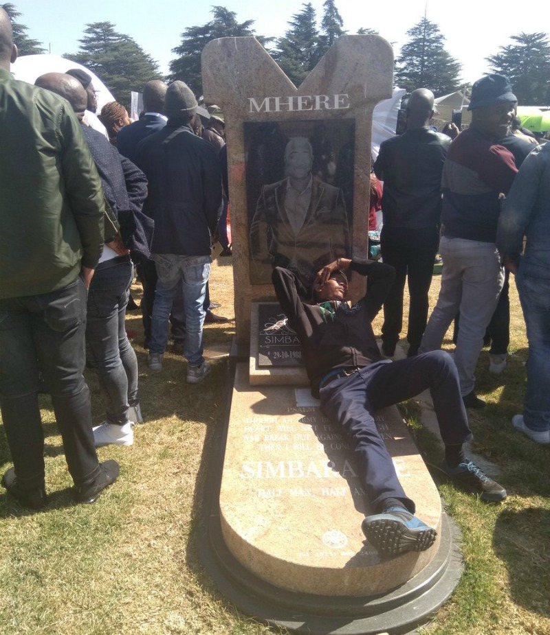 Man caught napping on Simba Mhere's grave