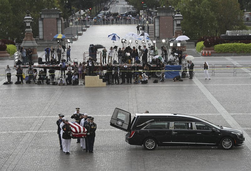 McCain, Franklin tributes show 2 Americas and cultures
