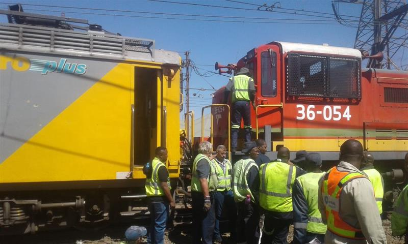 South African train collision leaves 100 injured