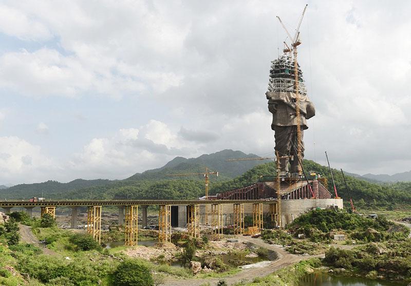 India's billion-dollar battle to build the world's biggest statue