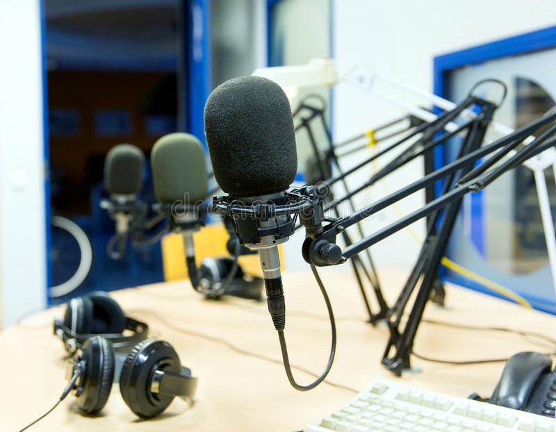 Radio journalist in Gabon commits suicide