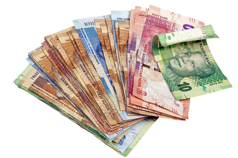 South African man caught with R50 000 fake notes