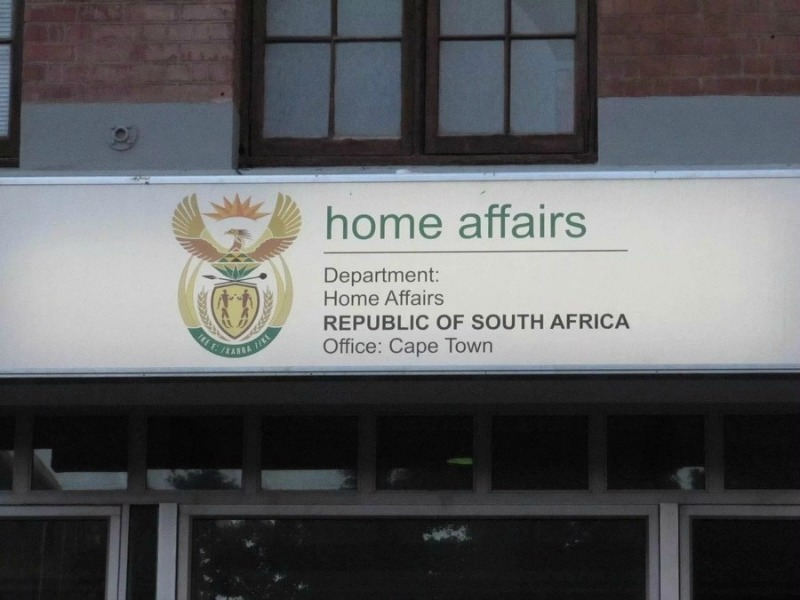 Some Zimbabweans still waiting for SA permits as deadline looms