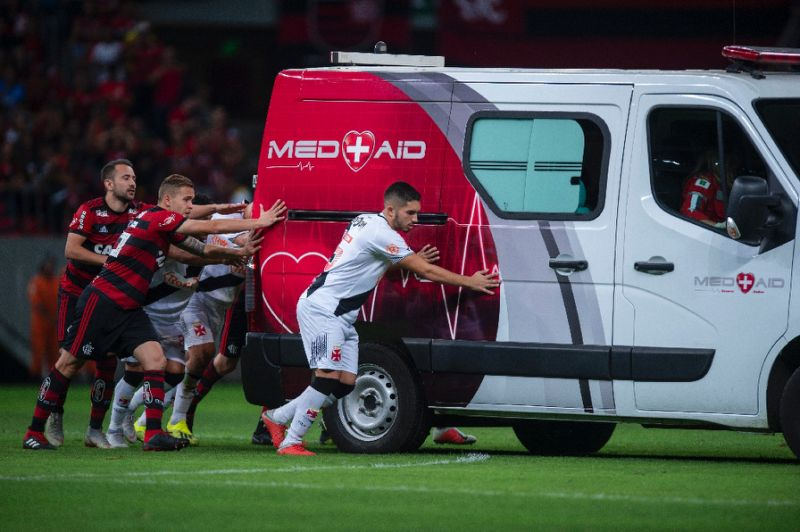 Help! Players rescue ambulance in Brazilian league game