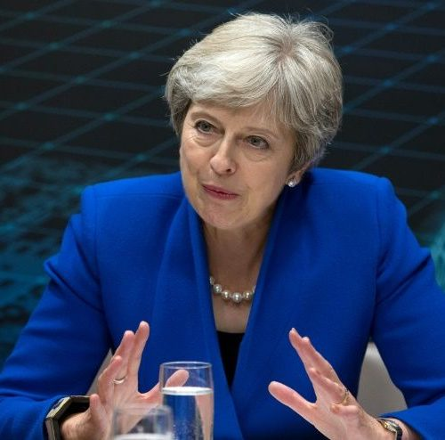 UK's May wins cabinet backing for Brexit deal