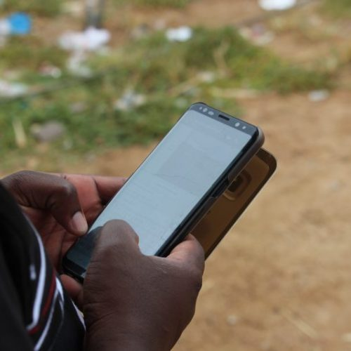 Upsurge in mobile transactions likely just 'hot air' – warns renowned economist