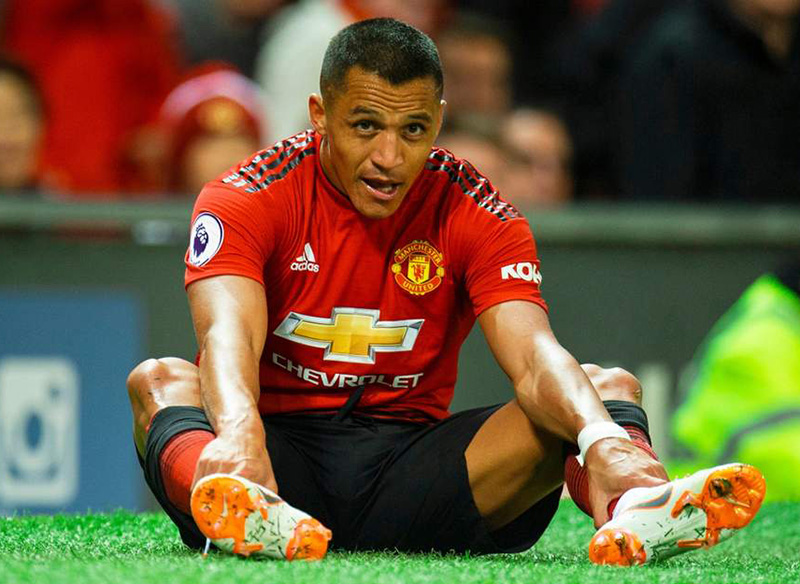 Discarded Sanchez a window into Man Utd's wasted millions