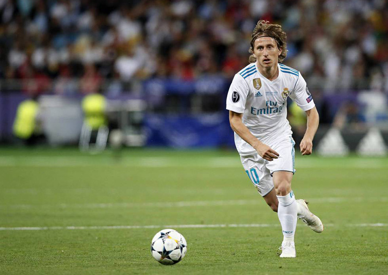Modric wins world player of year, ends Ronaldo-Messi duology